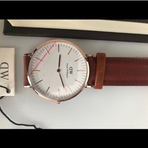 DW Daniel Wellington 32mm womens watch
